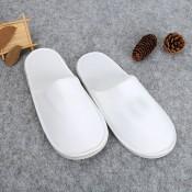 Papuci închiși